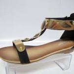 Дамските сандали и чехли са най-предпочитаните дамски обувки за лятото